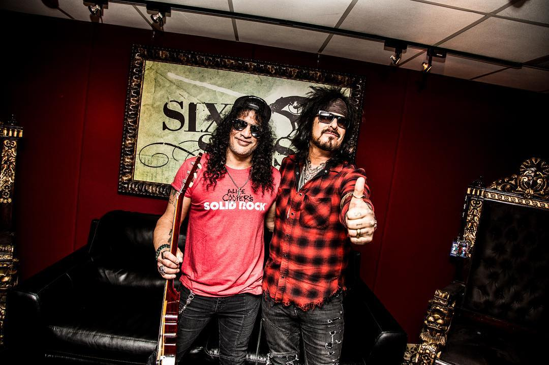 Slash france sixx sense radio riff guitar