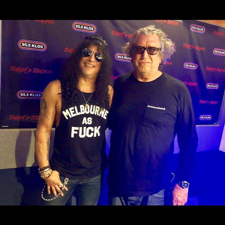 Slash france jonesy jukebx steve joens sex pistols 2018 los angeles living the dream smkc