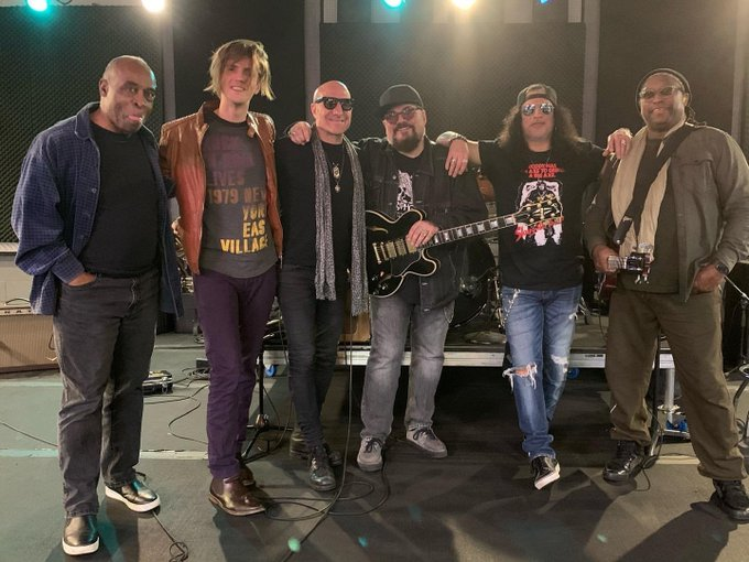 Slash france concert namm 2020 show gibson private mates kenny jimmy vivino slim daryll jones