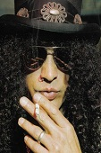 Biographie-complete-de-slash-par-slash-france-3
