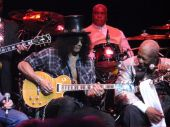 Amis_et_featuring_live 2011_06_28_londres_bb_king bb king slash.jpg.pagespeed.ce.pD8o6azYm_
