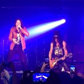 Slash france chicago concord music hall world on fire tour conspirators 2015